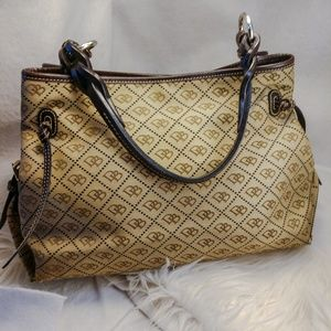 Authentic tan Dooney & Bourke purse handbag